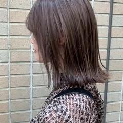 大人ハイライト 切りっぱなしボブ 極細ハイライト ミディアム ヘアスタイルや髪型の写真・画像