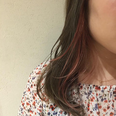 ピンクベージュ インナーカラー フェミニン ピンクラベンダー ヘアスタイルや髪型の写真・画像