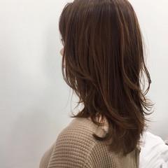 ウルフカット レイヤースタイル オレンジベージュ ナチュラル ヘアスタイルや髪型の写真・画像