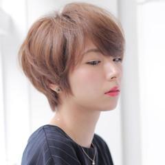 小顔 似合わせ ショート ナチュラル ヘアスタイルや髪型の写真・画像