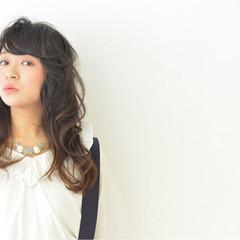 ゆるふわ 暗髪 大人かわいい パーマ ヘアスタイルや髪型の写真・画像