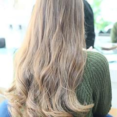 ハイトーン ロング エレガント 上品 ヘアスタイルや髪型の写真・画像