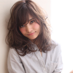 外国人風 小顔 大人かわいい ナチュラル ヘアスタイルや髪型の写真・画像