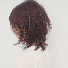 ミディアム フェミニン マッシュ ウルフカット ヘアスタイルや髪型の写真・画像