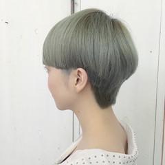 シルバー シルバーアッシュ マッシュ ショート ヘアスタイルや髪型の写真・画像