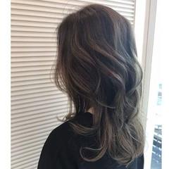 グレージュ アッシュグレージュ モード ヘアアレンジ ヘアスタイルや髪型の写真・画像