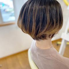 ショートボブ ミルクティーベージュ ストリート ショート ヘアスタイルや髪型の写真・画像