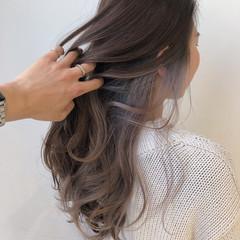 インナーカラーレッド インナーカラーパープル ナチュラル インナーカラーグレージュ ヘアスタイルや髪型の写真・画像