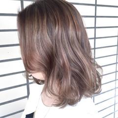 アッシュ ナチュラル ミディアム グラデーションカラー ヘアスタイルや髪型の写真・画像