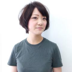 リラックス ショート 秋 女子会 ヘアスタイルや髪型の写真・画像