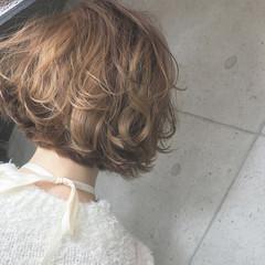 フェミニン パーマ ヘアアレンジ ショート ヘアスタイルや髪型の写真・画像