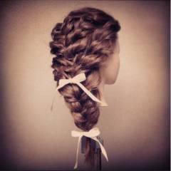 大人かわいい ショート ナチュラル 編み込み ヘアスタイルや髪型の写真・画像
