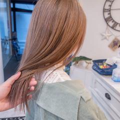 ヌーディベージュ 透明感カラー ブリーチカラー フェミニン ヘアスタイルや髪型の写真・画像