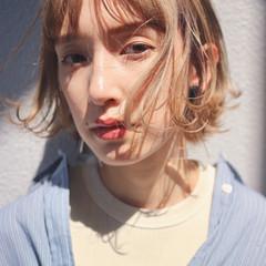 ミニボブ ハイトーンボブ ミルクティーベージュ ハイトーンカラー ヘアスタイルや髪型の写真・画像