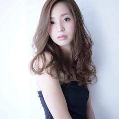 外国人風 アッシュ ロング 春 ヘアスタイルや髪型の写真・画像