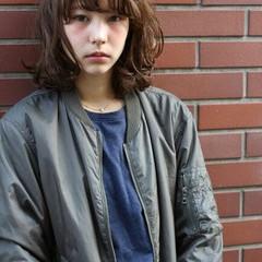 パーマ イルミナカラー ゆるふわ ストリート ヘアスタイルや髪型の写真・画像
