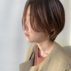 前髪なし センターパート インナーカラー ナチュラル ヘアスタイルや髪型の写真・画像