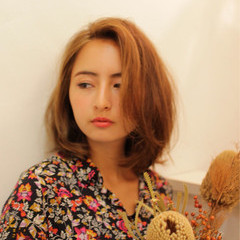 外国人風 アッシュ くせ毛風 ピュア ヘアスタイルや髪型の写真・画像