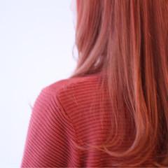 個性的 ピンク インナーカラー セミロング ヘアスタイルや髪型の写真・画像