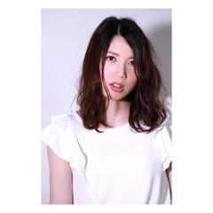 暗髪 モード デジタルパーマ 外国人風 ヘアスタイルや髪型の写真・画像