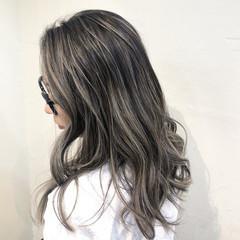 バレイヤージュ ハイライト インナーカラー ナチュラル ヘアスタイルや髪型の写真・画像
