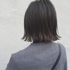 ロブ 外ハネ 外国人風 切りっぱなし ヘアスタイルや髪型の写真・画像