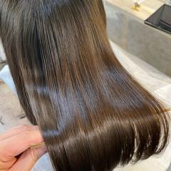 セミロング 髪質改善トリートメント 艶髪 ナチュラル ヘアスタイルや髪型の写真・画像