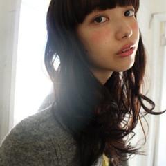 ゆるふわ ロング 暗髪 外国人風 ヘアスタイルや髪型の写真・画像