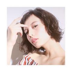 オン眉 切りっぱなし かっこいい ハイライト ヘアスタイルや髪型の写真・画像
