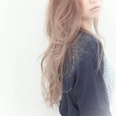 ナチュラル ロング 渋谷系 ゆるふわ ヘアスタイルや髪型の写真・画像