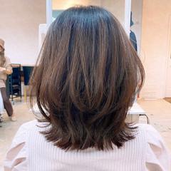 ミディアム ミディアムレイヤー レイヤーボブ レイヤーカット ヘアスタイルや髪型の写真・画像