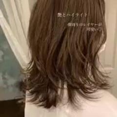 ミディアム 極細ハイライト グレージュ 大人ハイライト ヘアスタイルや髪型の写真・画像