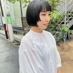 シンプル ボブ ぱっつん 段カット ヘアスタイルや髪型の写真・画像