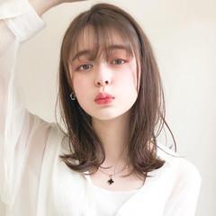 アンニュイほつれヘア デジタルパーマ ミディアム アウトドア ヘアスタイルや髪型の写真・画像