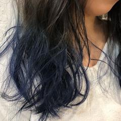 ブルーグラデーション アンニュイほつれヘア グラデーションカラー セミロング ヘアスタイルや髪型の写真・画像