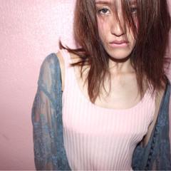 こなれ感 小顔 フリンジバング ミルクティー ヘアスタイルや髪型の写真・画像