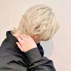 モード ホワイトブリーチ ショート マッシュウルフ ヘアスタイルや髪型の写真・画像