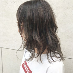 ミディアム ナチュラル ハイライト ゆるふわ ヘアスタイルや髪型の写真・画像