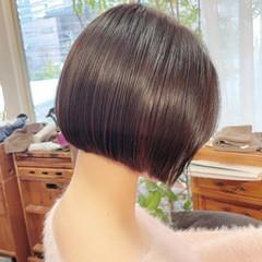 インナーカラー ボブ 切りっぱなしボブ ミニボブ ヘアスタイルや髪型の写真・画像