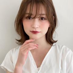 アンニュイほつれヘア ミディアム 似合わせカット ナチュラル ヘアスタイルや髪型の写真・画像