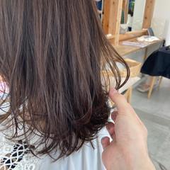 簡単ヘアアレンジ ゆるふわパーマ ミディアム ひし形シルエット ヘアスタイルや髪型の写真・画像