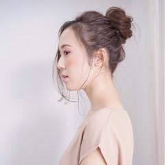 フェミニン ショート お団子 簡単ヘアアレンジ ヘアスタイルや髪型の写真・画像