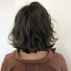色気 切りっぱなし ロブ アッシュグレージュ ヘアスタイルや髪型の写真・画像