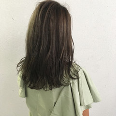 外ハネ ロブ ハイライト ナチュラル ヘアスタイルや髪型の写真・画像