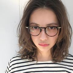 アンニュイ ミディアム ナチュラル パーマ ヘアスタイルや髪型の写真・画像