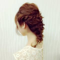 ヘアアレンジ ねじり 大人かわいい 波ウェーブ ヘアスタイルや髪型の写真・画像