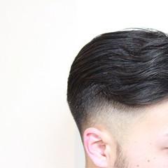 ショート ウェットヘア メンズ 刈り上げ ヘアスタイルや髪型の写真・画像