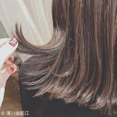 インナーカラー ミディアム アウトドア アンニュイほつれヘア ヘアスタイルや髪型の写真・画像