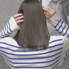 ミディアム アッシュベージュ 透明感カラー ナチュラル可愛い ヘアスタイルや髪型の写真・画像