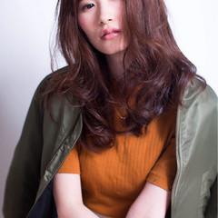 ミディアム ベリーピンク 冬 ストリート ヘアスタイルや髪型の写真・画像